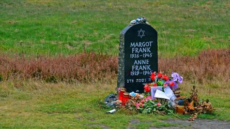 A photo of a tombstone in Germany at Bergen-Belsen commemorating Anne Frank and her sister, Margot Frank (Photo by Bernswaelz was taken from Pixabay.com).