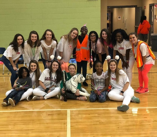Brashier Student Forum members get ready for the first Spirit Week pep rally with FIKE students (Photo Courtesy of Quinn Divers).