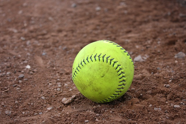 Unpopular+Opinion+Number+3%3A+%E2%80%9CSoftball+is+better+than+baseball.+A+lot+of+people+believe+that+baseball+is+harder+but+it%27s+not%3B+they+are+equally+as+difficult.+The+ball+comes+at+you+harder%2C+the+ball+is+bigger%2C+and+the+glove+is+the+same+size+as+a+baseball+glove.+Therefore%2C+catching+the+softball+is+more+difficult.+Also%2C+softballs+are+harder+%5Bthan+baseballs%5D%2C%E2%80%9D+said+sophomore+Bree+Hargett+%28Photo+courtesy+of+Pixabay%2C+photo+credits+to+Kelseyannvere%29.%0A