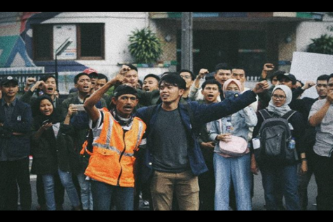 As the Indonesian government attempts to ban network and journalism in West Papua, hundreds of students fight for not only the self determination of the province, but the justice and freedom of democracy (Photo Courtesy of Instagram, Photo credit to Muhsin Ali).